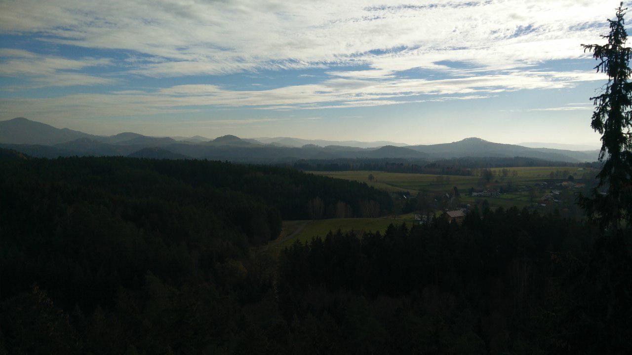 Blick vom Saunstein in der Böhmischen Schweiz in Richtung Böhmisches Mittelgebirge